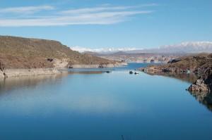 Lac de barrage Agua del Toro